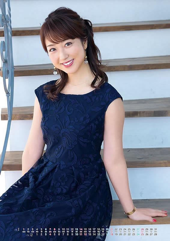 紺のドレスの川田裕美